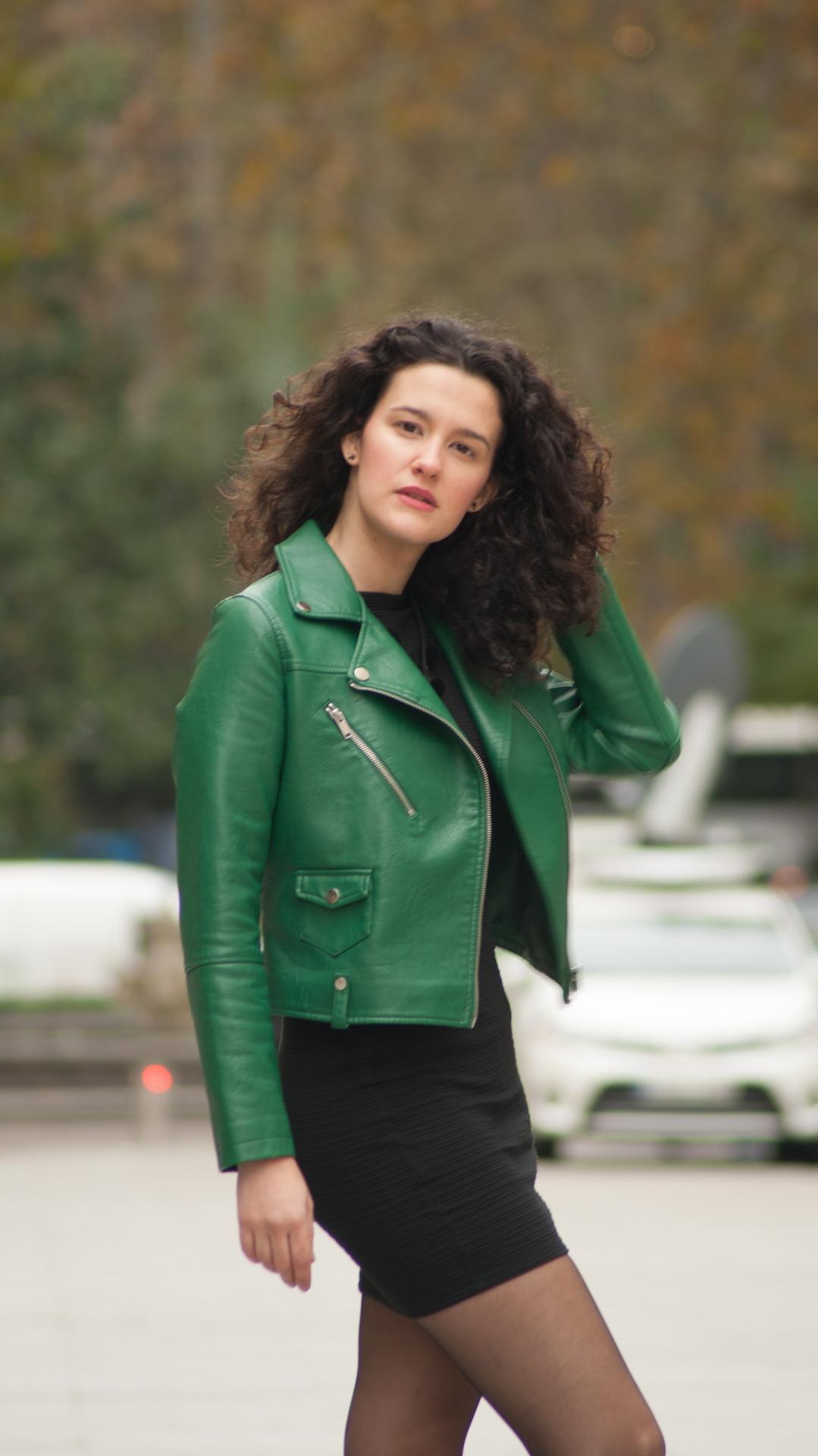 esther ramos chaqueta verde 02